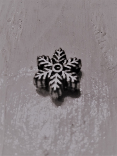 Acrylic Bead Snowflake 13mm R45 +/ 98 pieces