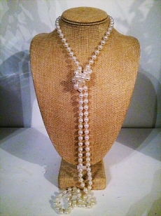 Pearl Necklace Acrylic Long, Perfect for your Vintage 1920's Theme. Can also use for Decor/Weddings. Wholesale Price R15 Per String (Minimum Quantity 10 pieces=R150)