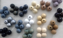 This is a Display of all the Natural/Creme Wood Beads, please ask for size/colours
